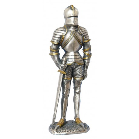 Cynowy rycerz z mieczem