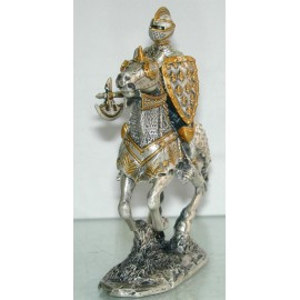Cynowy rycerz z toporem