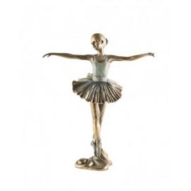 Baletnica z rękami w bok
