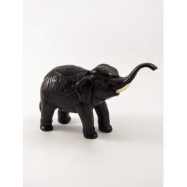 Słoń mały rzeźbiony